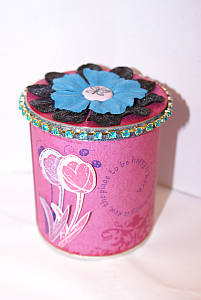 decorating tins, altered art, pringles can, scrapbooking