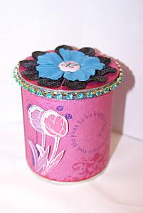 Decorating tins