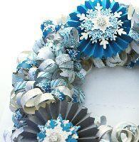 Paper strip wreath detail